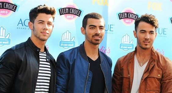 Jonas Brothers Set to Reunite After 6 Years