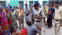 Mob in India kills three on suspicion of cattle theft, three arrested
