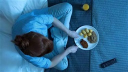 How to Stop Over-Eating before Bedtime