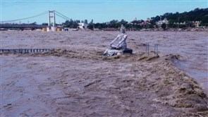 41 dead as heavy rains batter northern India