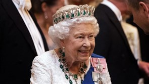 Queen returns to public stage detailing UK govt's new agenda