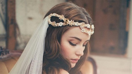 What Hair Accessories to Wear on Your Wedding Day?